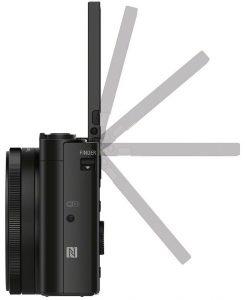 Цифровая камера с мегазумом: откидной дисплей облегчает прежде всего видеосъемку